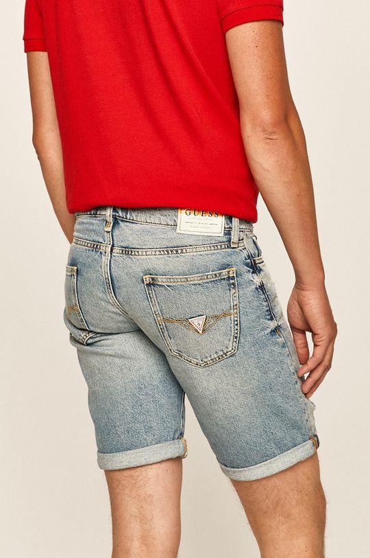 Guess Jeans - Džínové šortky  Hlavní materiál: 100% Bavlna Podšívka kapsy: 30% Bavlna, 70% Polyester