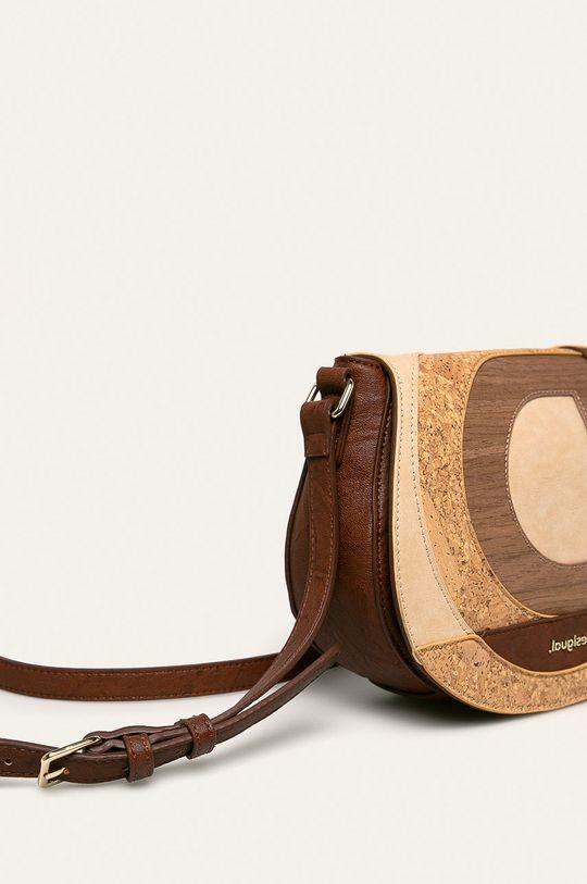 Desigual - Чанта  Подплата: 100% Полиестер Основен материал: 9% Текстилен материал, 91% Полиуретан Външно оформление: 100% Полиуретан