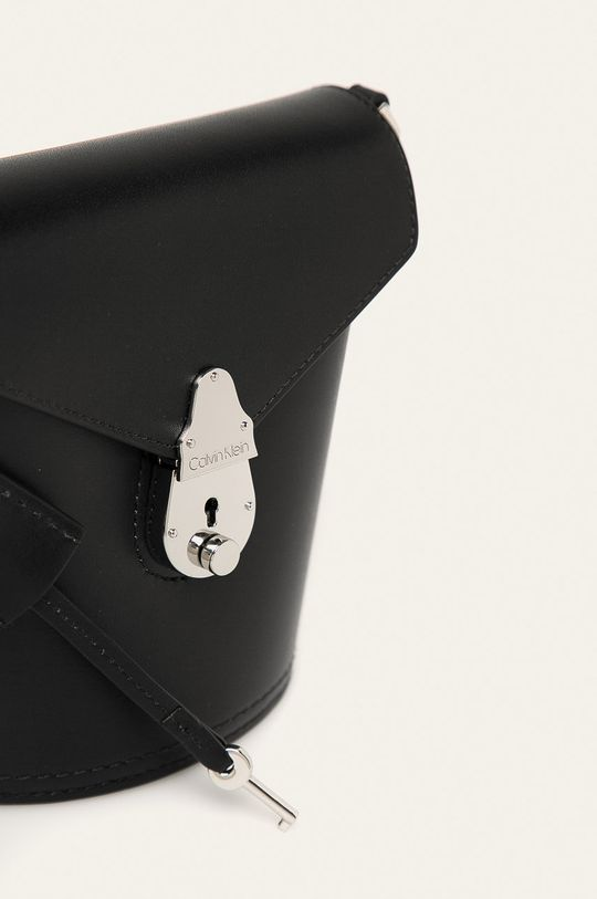 Calvin Klein - Kožená kabelka černá