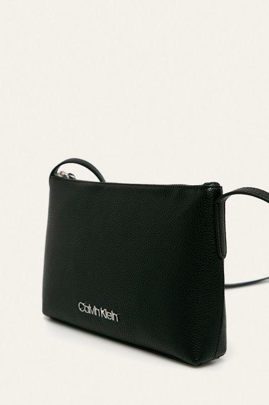 Calvin Klein - Kabelka Podšívka: 100% Polyester Hlavní materiál: 100% Polyuretan