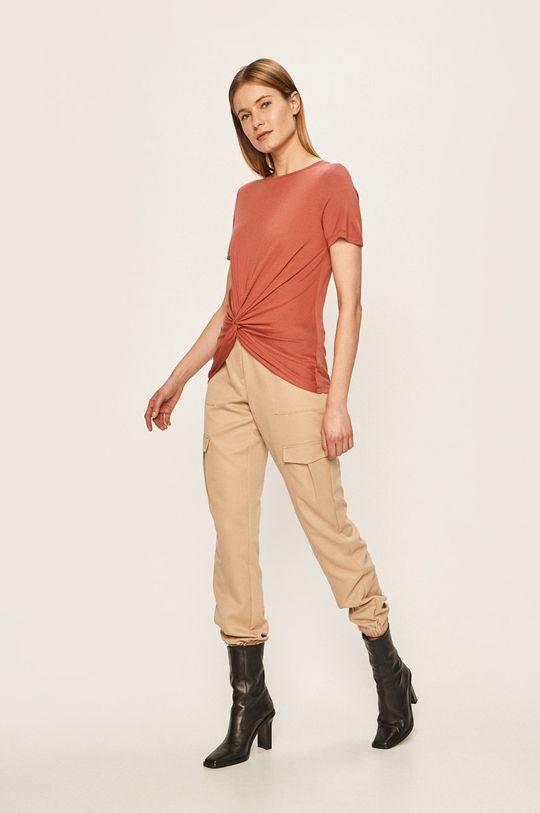 Vero Moda - T-shirt czerwony róż
