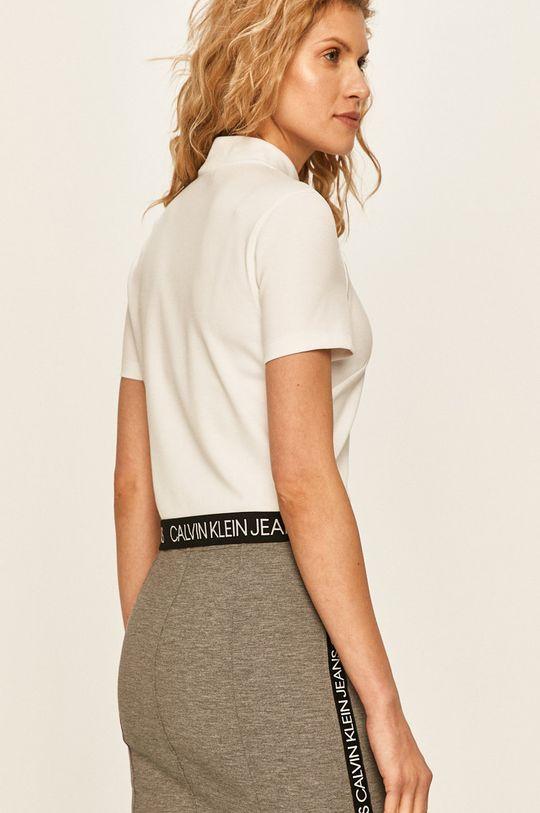 Calvin Klein Jeans - Tričko Hlavní materiál: 4% Elastan, 77% Polyester, 19% Viskóza Provedení: 9% Elastan, 91% Polyester