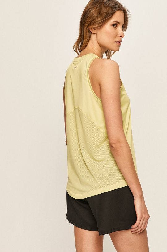 Nike - Top Hlavní materiál: 100% Polyester Jiné materiály: 8% Elastan, 92% Polyester