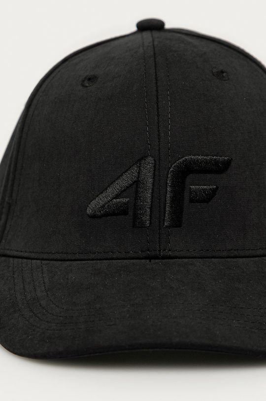 4F - Čepice černá