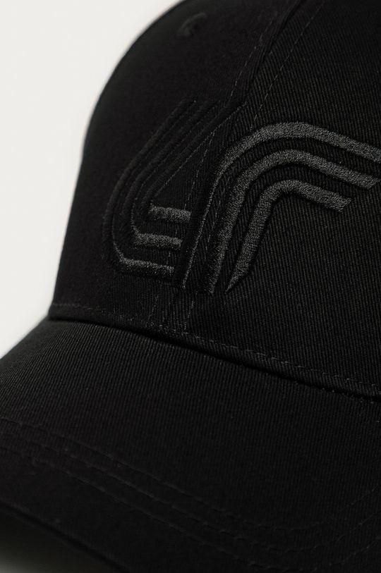 4F - Čiapka čierna