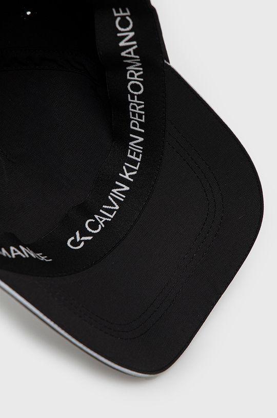 černá Calvin Klein Performance - Kšiltovka