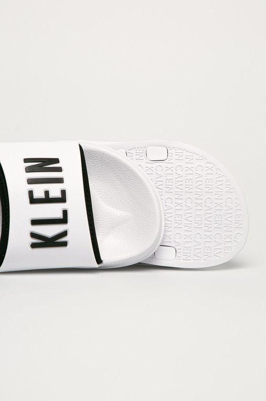 Calvin Klein Underwear - Pantofle  Svršek: Umělá hmota Vnitřek: Umělá hmota, Textilní materiál Podrážka: Umělá hmota