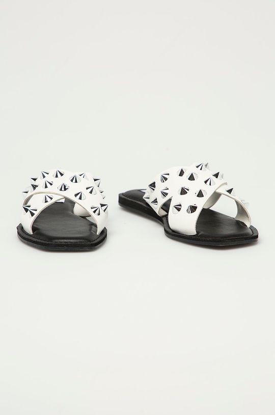 Steve Madden - Kožené pantofle Spikey bílá