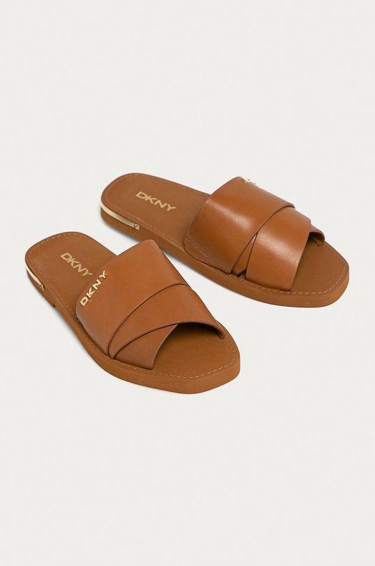 Dkny - Kožené pantofle hnědá