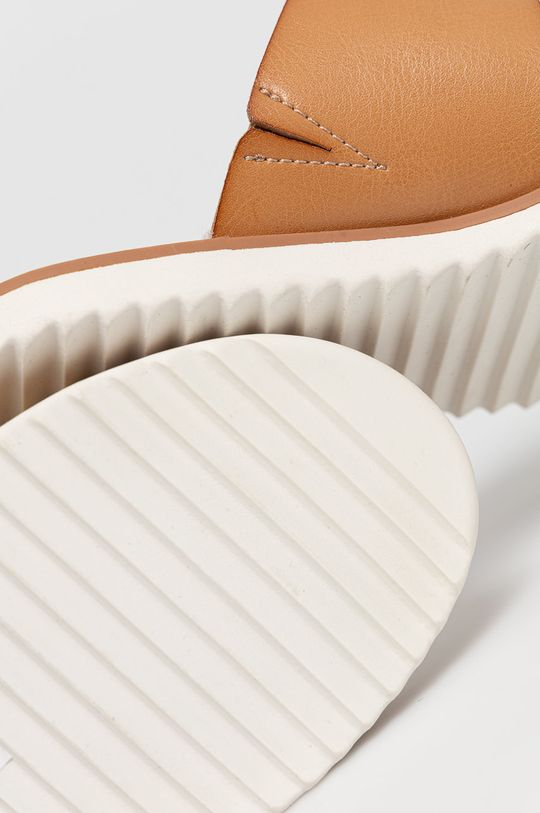 Skechers - Šľapky  Zvršok: Syntetická látka, Prírodná koža Vnútro: Textil Podrážka: Syntetická látka