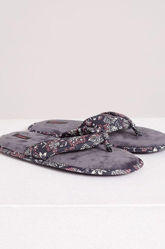 Etam - Papuče Debi  Zvršok: Textil Vnútro: Textil Podrážka: Syntetická látka