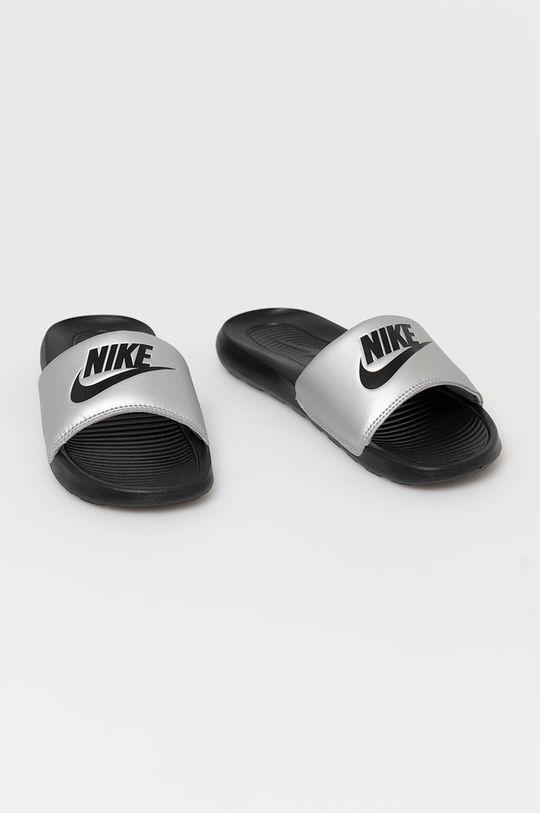 Nike Sportswear - Šľapky strieborná