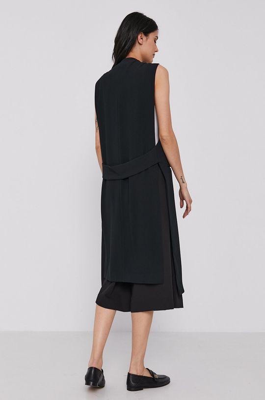 Sisley - Vesta  Podšívka: 3% Elastan, 97% Polyester Hlavní materiál: 100% Polyester