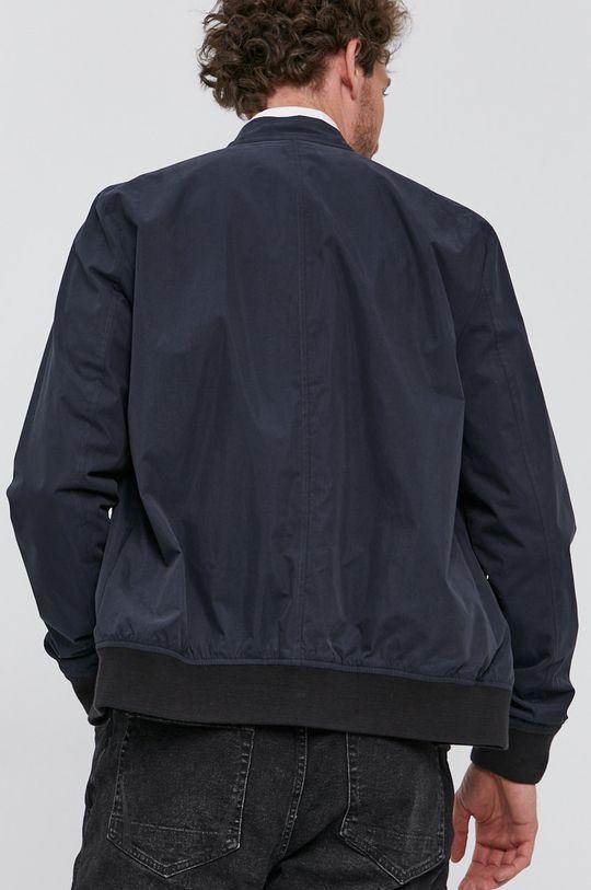 AllSaints - Oboustranná bunda  Hlavní materiál: 70% Bavlna, 30% Polyamid Stahovák: 84% Bavlna, 2% Elastan, 14% Polyester