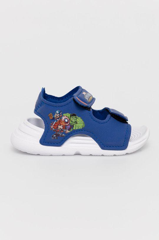 niebieski adidas - Sandały dziecięce Swim Sandal I x Marvel Chłopięcy