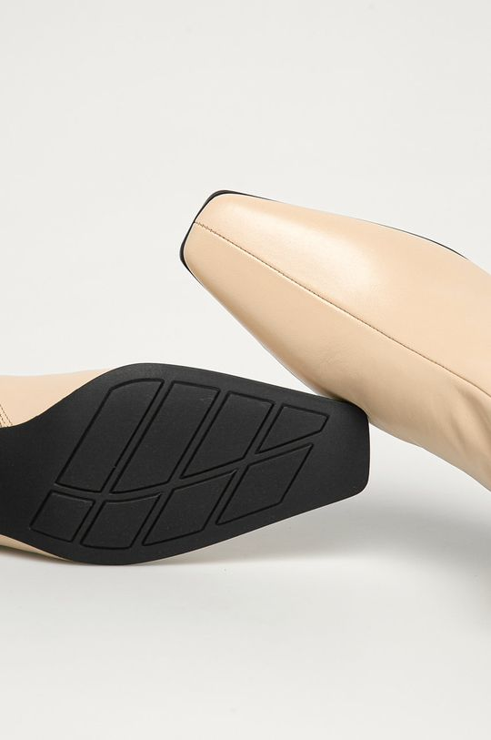 tělová Vagabond - Kožené kotníkové boty Tessa