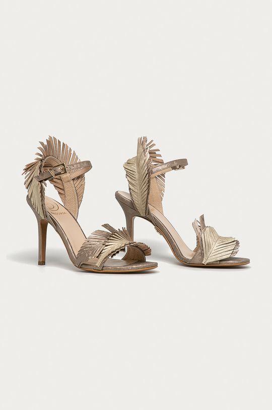 Baldowski - Kožené sandály zlatá