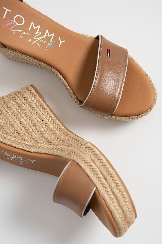 kávová Tommy Jeans - Kožené sandály