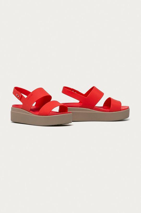 Crocs - Sandály korálová