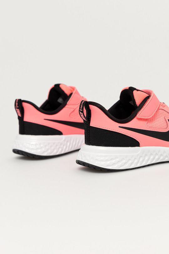 Nike Kids - Dětské boty Revolution 5  Svršek: Umělá hmota, Textilní materiál Vnitřek: Textilní materiál Podrážka: Umělá hmota