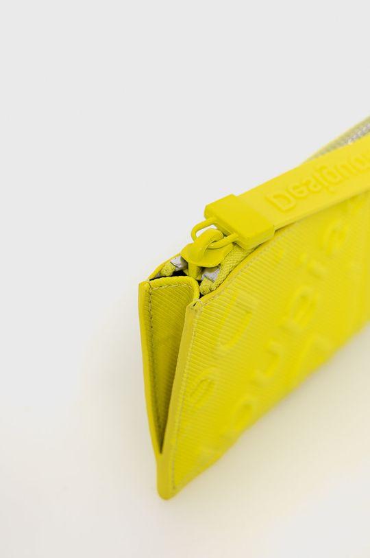 Desigual - Peněženka  Materiál č. 1: 100% Polyester Materiál č. 2: 100% Polyuretan Pokyny k praní a údržbě:  nelze sušit v sušičce, nebělit, nežehlit, neprat, Nečistit chemicky
