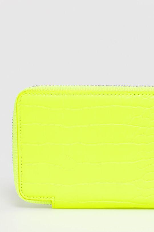 BIMBA Y LOLA - Peňaženka  Podšívka: 95% Polyester, 5% Polyuretán Základná látka: 44% Polyester, 54% Polyuretán, 2% Prírodná koža