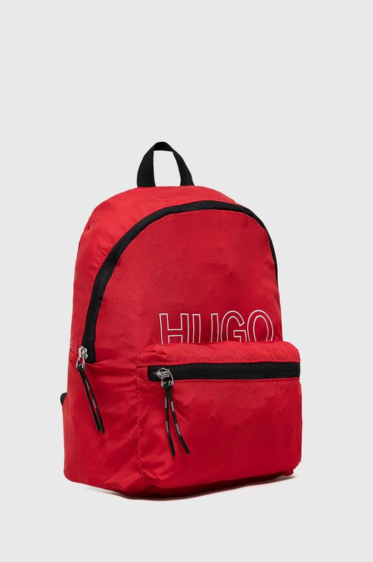 Hugo - Ruksak  1. látka: 100% Recyklovaný polyester 2. látka: 100% Recyklovaný polyamid