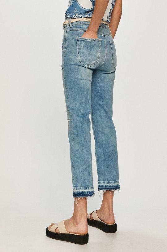Desigual - Jeansy 98 % Bawełna, 2 % Elastan, Wskazówki pielęgnacyjne:  nie suszyć w suszarce bębnowej, nie wybielać, prasować w niskiej temperaturze, Nie czyścić chemicznie