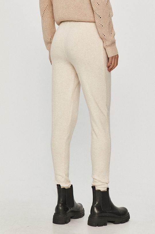 Guess - Spodnie 35 % Akryl, 41 % Nylon, 10 % Poliester, 11 % Wełna, 3 % Soja