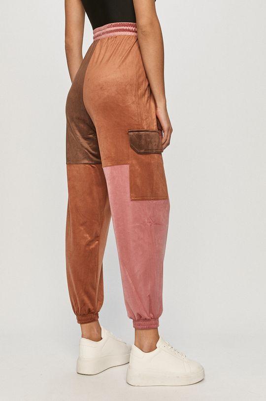 adidas Originals - Pantaloni  Materialul de baza: 94% Poliester , 6% Spandex Captuseala buzunarului: 100% Poliester reciclat