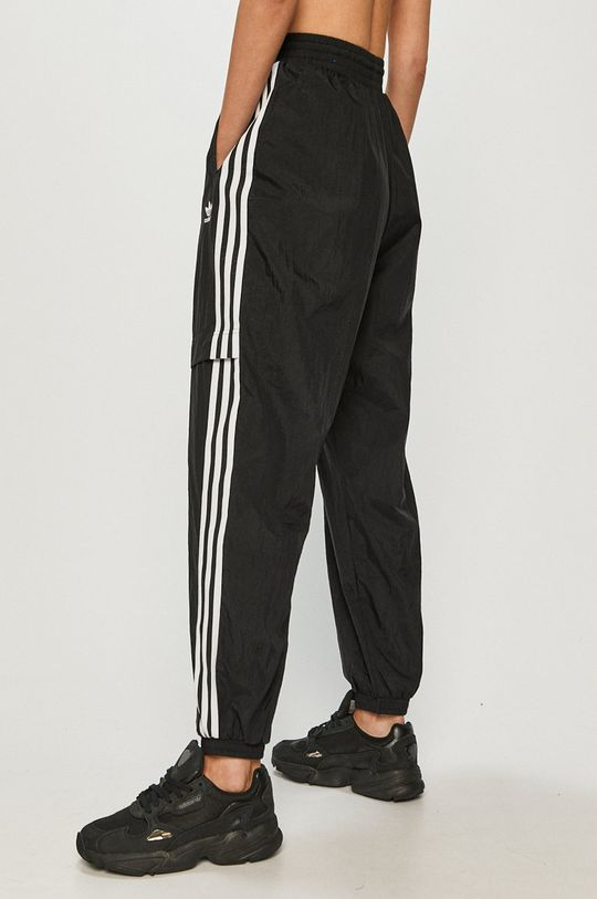 adidas Originals - Kalhoty  Podšívka: 100% Recyklovaný polyester Hlavní materiál: 100% Nylon