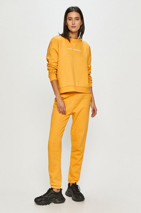 4F - Nohavice žltá