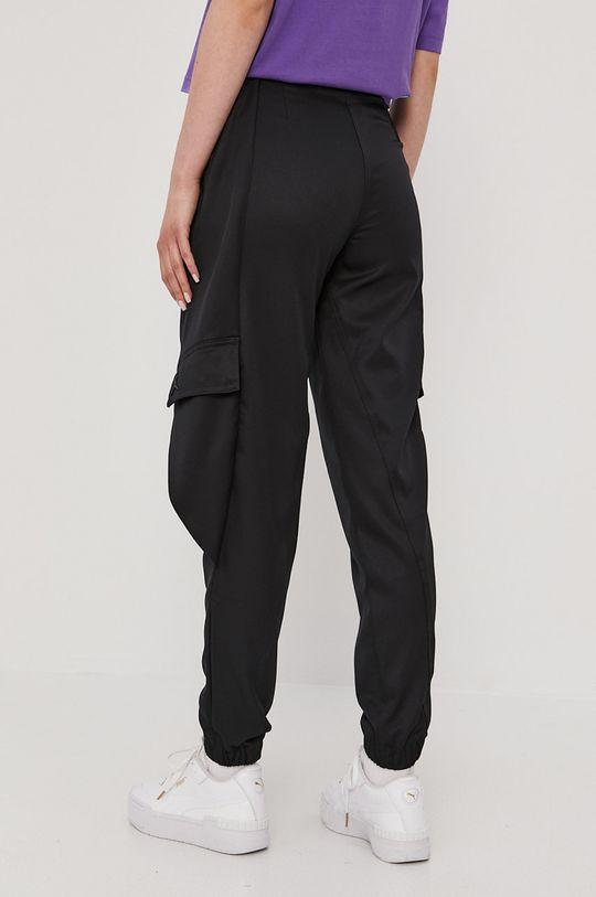 Jordan - Kalhoty  Hlavní materiál: 100% Polyester Jiné materiály: 8% Elastan, 92% Polyester