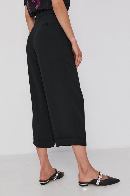 Twinset - Kalhoty  Hlavní materiál: 71% Acetát, 29% Viskóza Jiné materiály: 100% Perleť Podšívka kapsy: 68% Acetát, 32% Polyester