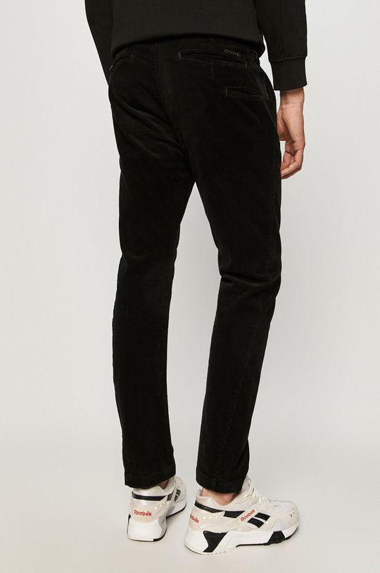 G-Star Raw - Kalhoty  Hlavní materiál: 99% Bavlna, 1% Elastan Ozdobné prvky: 35% Organická bavlna, 65% Recyklovaný polyester Podšívka kapsy: 50% Organická bavlna, 50% Recyklovaný polyester