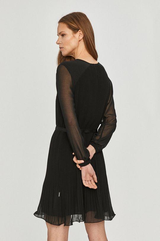 Calvin Klein - Šaty  Podšívka: 100% Polyester Hlavní materiál: 100% Polyester