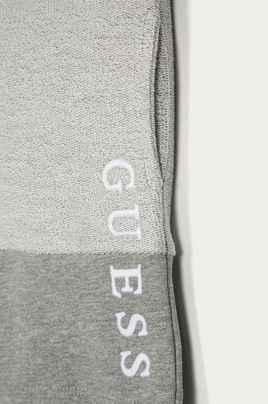 Guess - Detské krátke nohavice 92-122 cm sivá