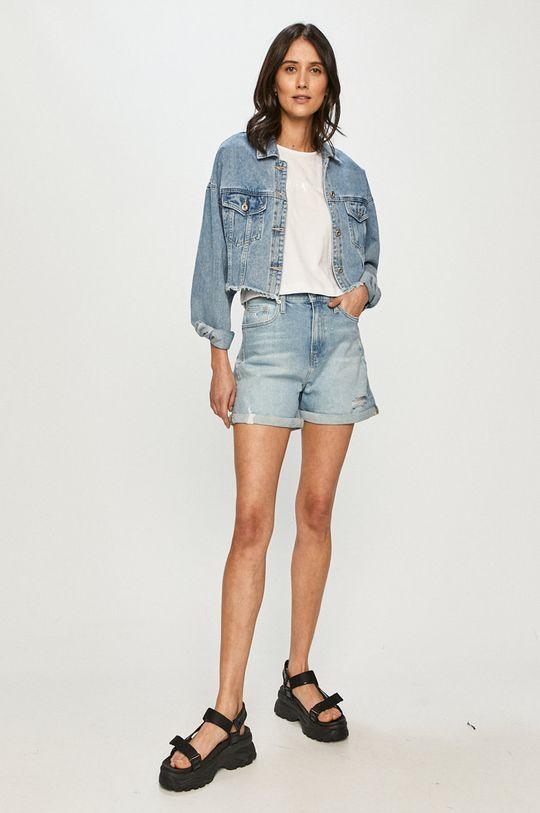 Calvin Klein Jeans - Rifľové krátke nohavice modrá