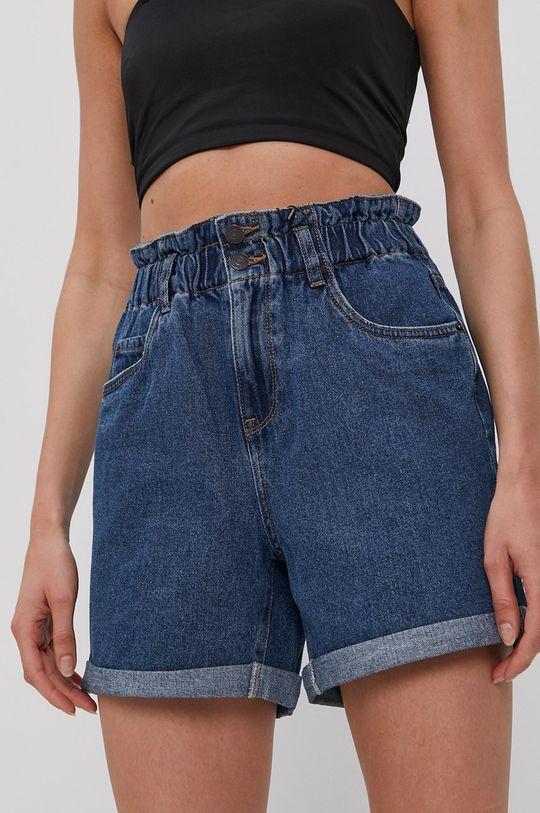 tmavomodrá Vero Moda - Rifľové krátke nohavice Dámsky