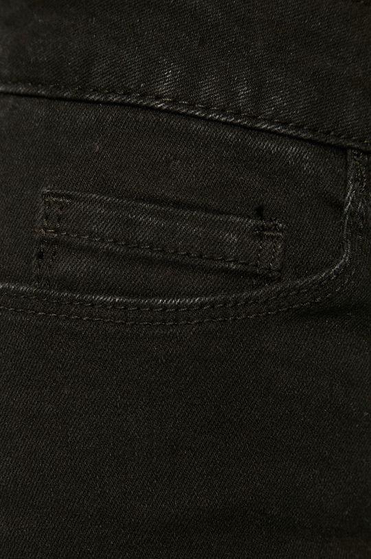 čierna Vero Moda - Rifľové krátke nohavice