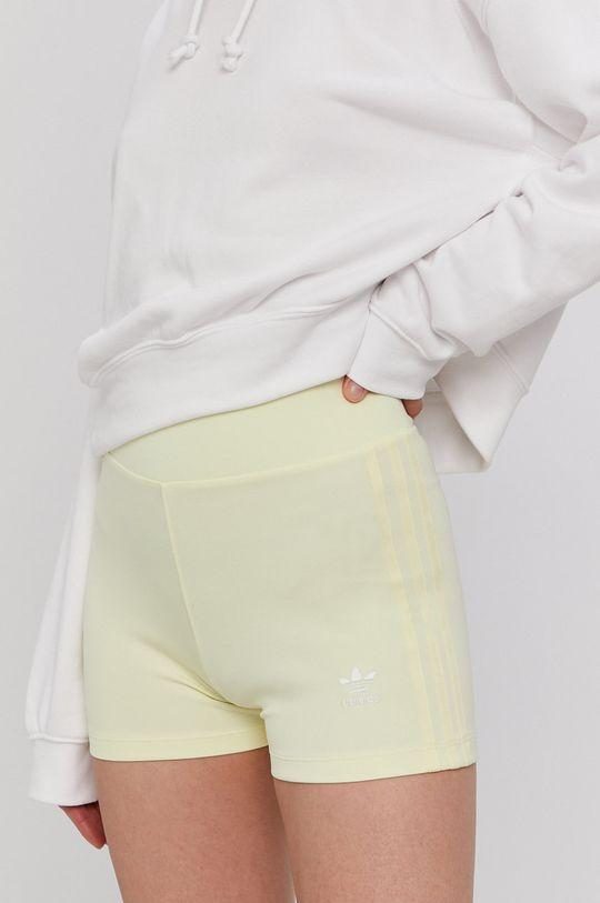 adidas Originals - Pantaloni scurti galben