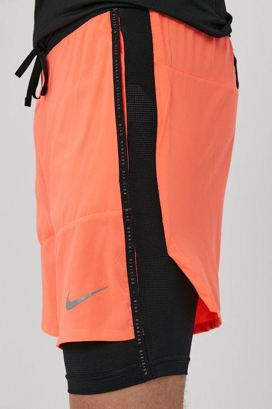 koralowy Nike - Szorty