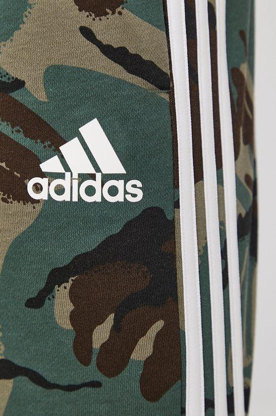 viacfarebná adidas - Šortky
