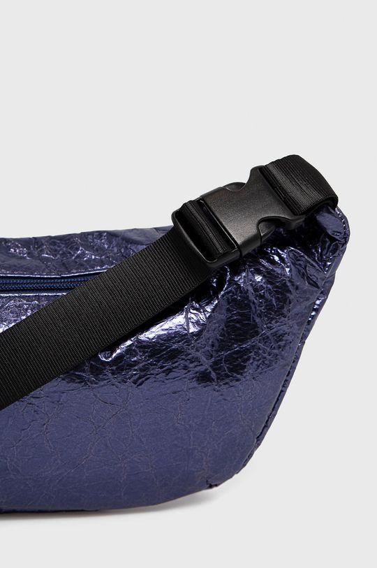 Nobo - Ľadvinka  Podšívka: 100% Polyester Základná látka: 100% PU