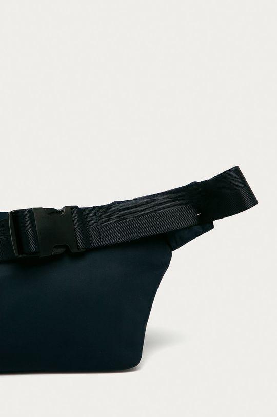 Hugo - Ledvinka  Textilní materiál