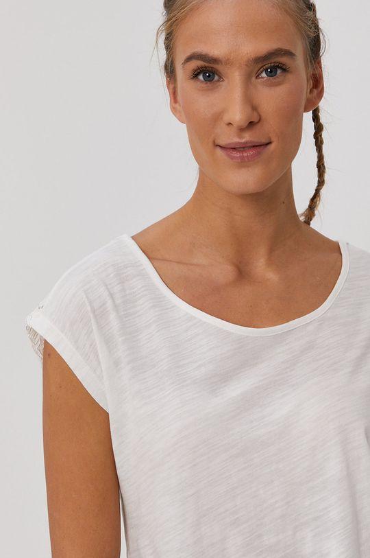 Protest - Tričko  Materiál č. 1: 60% Bavlna, 40% Polyester Materiál č. 2: 75% Polyamid, 25% Viskóza