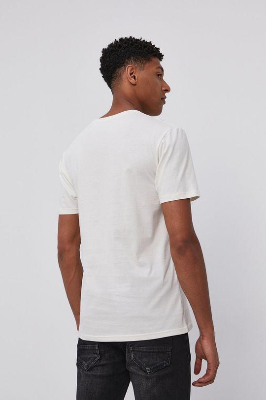 Columbia - Tričko  Hlavní materiál: 100% Organická bavlna Stahovák: 96% Organická bavlna, 4% Elastan