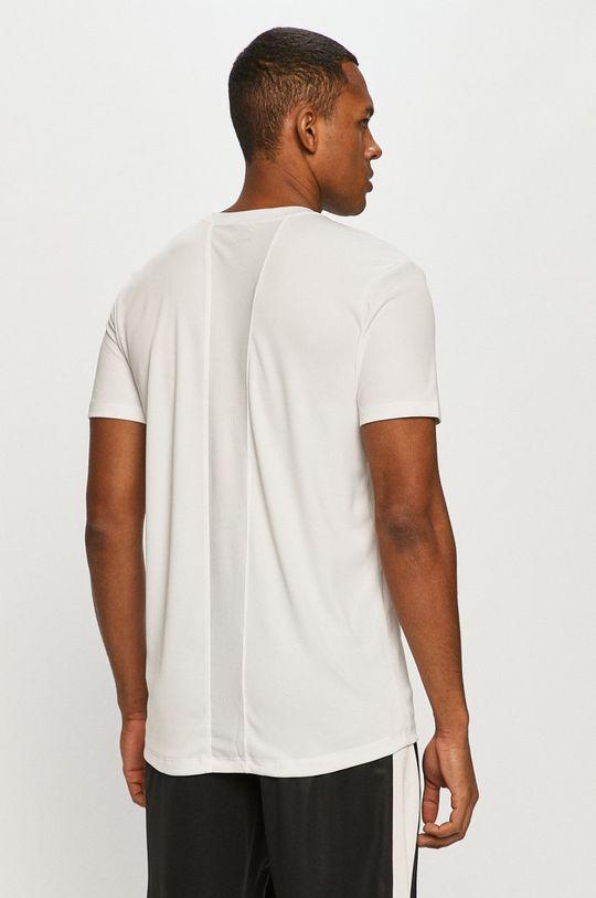 Puma - Tričko  Hlavní materiál: 100% Polyester Ozdobné prvky: 15% Elastan, 85% Polyester