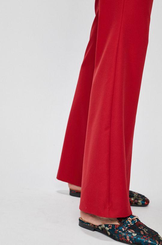 mahagónová Answear - Nohavice FALLING IN AUTUMN