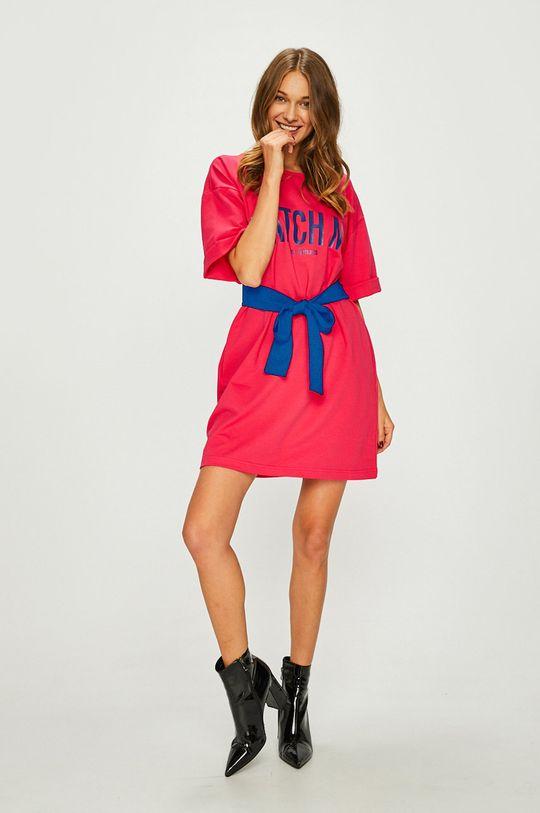 ružová Answear - Šaty Watch me Dámsky